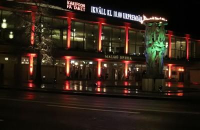 Ljussättning på Malmö Operas fasad